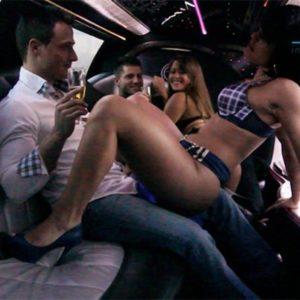 Striptease en limousine Paris